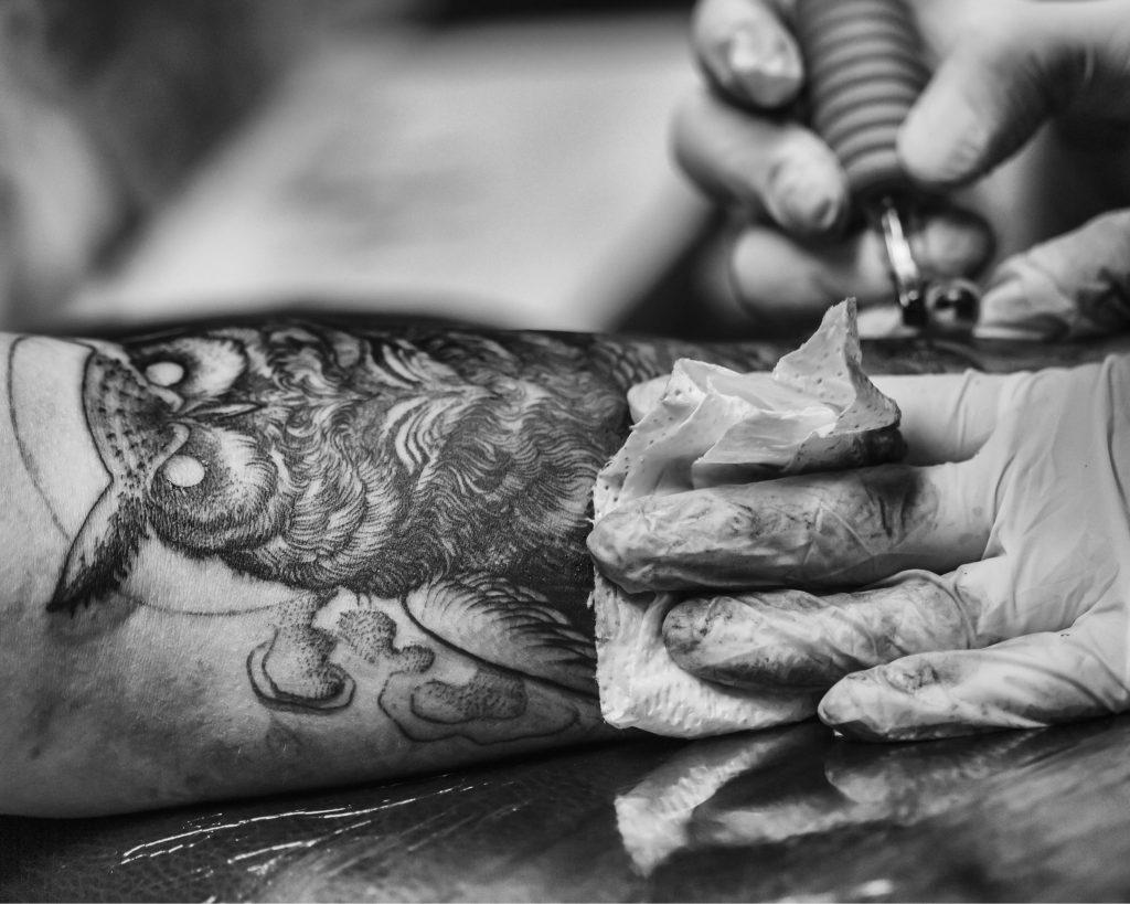 12 accounts van getalenteerde tattoo artists
